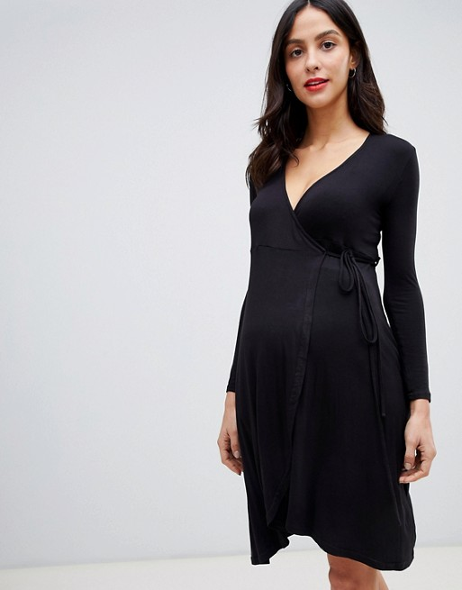 New Look Maternity wrap dress in black   AS