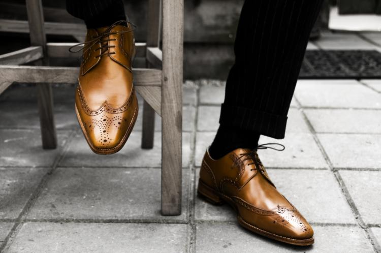 Fun Holiday – Wear Brown Shoes D