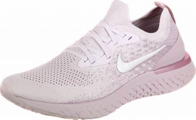 13 Best Women's Walking Shoes for 20