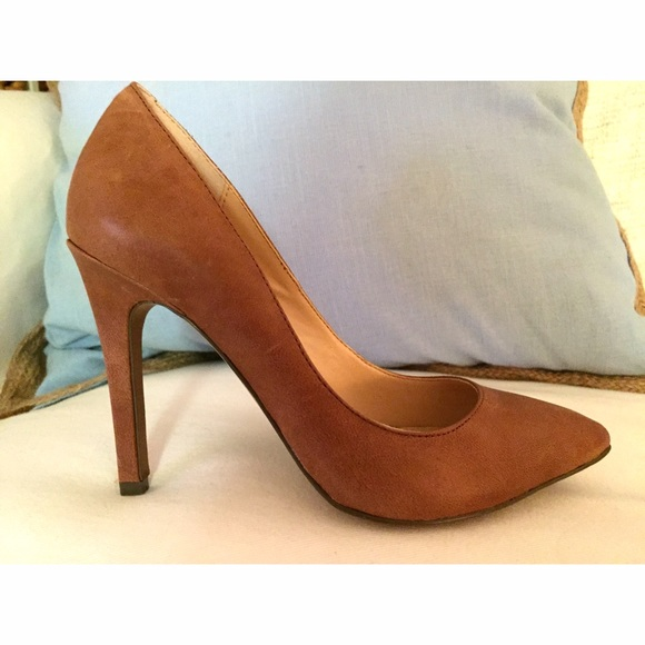 Jessica Simpson Shoes | Nwot Veronica Leather Pump | Poshma
