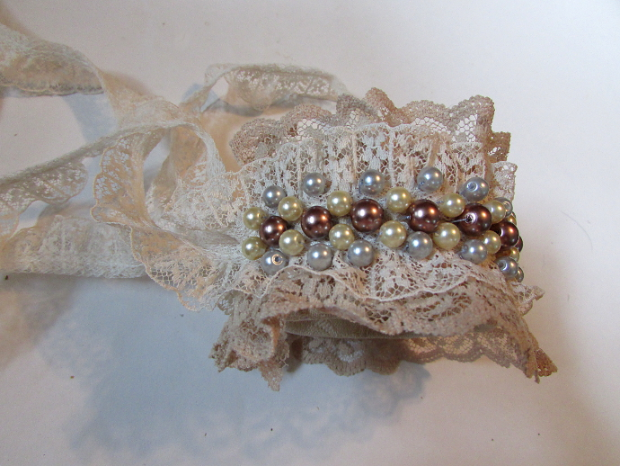 Lace Cuff Bracelet Tutorial - Happy Family A