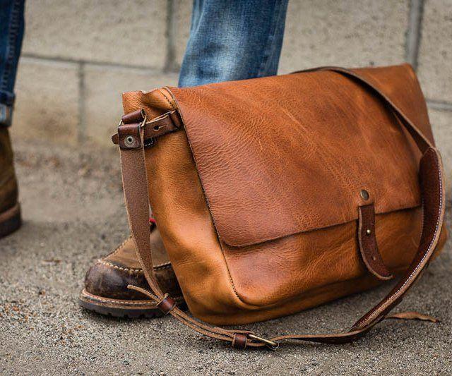 Vintage Leather Messenger Bag   Vintage messenger bag, Vintage .