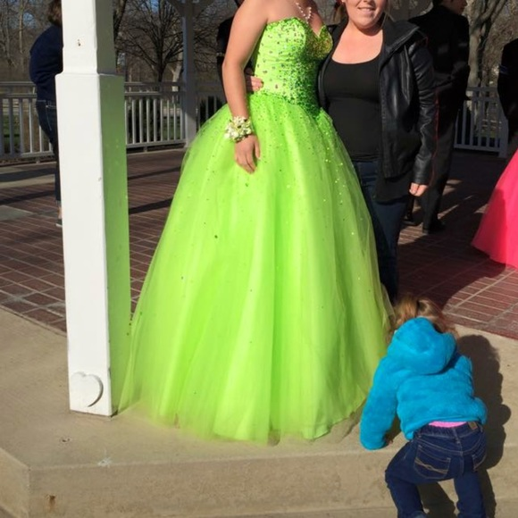 Dresses | Lime Green Prom Dress | Poshma