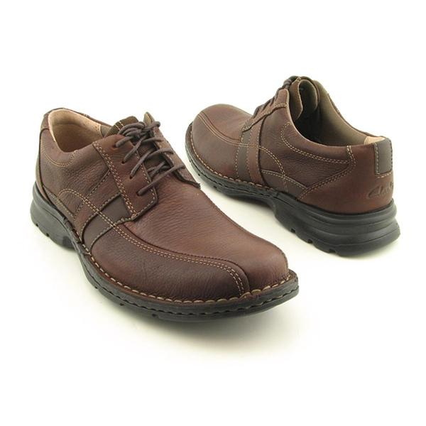 Shop Clarks Men's 'Espace' Leather Casual Shoes - Overstock - 74649