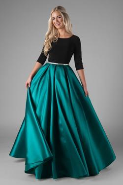 Modest Prom Dresses : Lainey Emerald – LatterDayBri