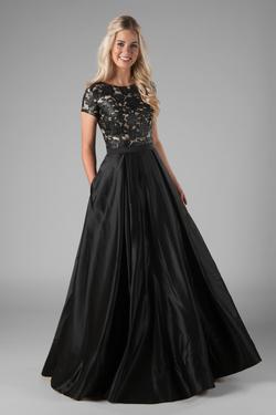 Modest Prom Dresses : Harlo Black – LatterDayBri