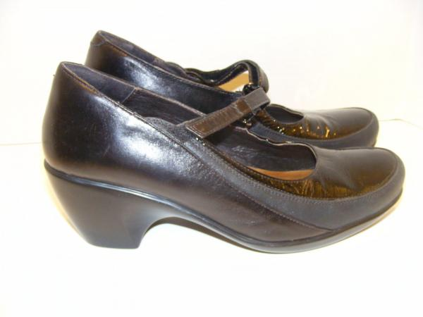 NAOT Amaze Black Leather Pumps Shoes Heels Mary Janes Patent 41 10 .