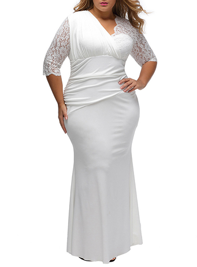 Women's Plus Size Maxi Dress - Three Quarter Length Lace Sleeves .