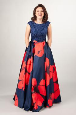 Modern Modest Prom Dresses : Kai Navy/Red – LatterDayBri
