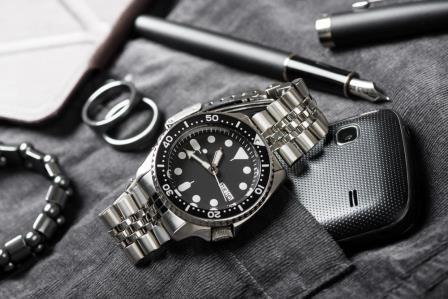 Seiko SKX007 Dive Watch Revi