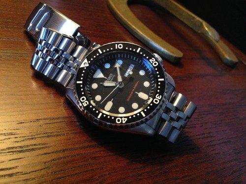 Amazon.com: Seiko Men's SKX007K2 Diver's Automatic Watch: Seiko .