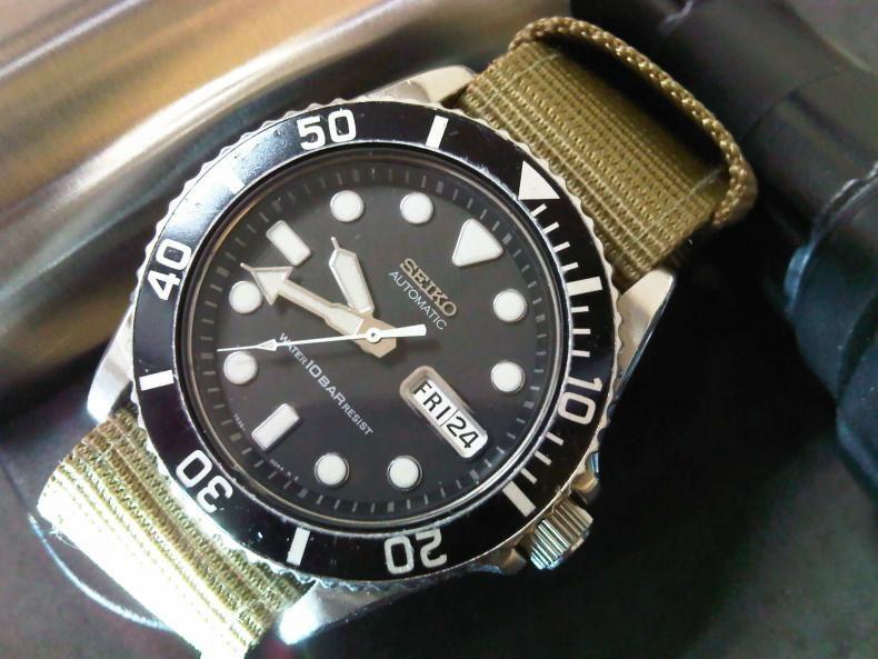 Seiko SKX031 Diver - I wanna be a Rolex Submariner when I grow up .