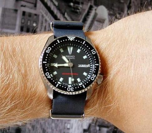 Seiko Men's SKX173 Automatic Diving Watches for men. | Men Watches .