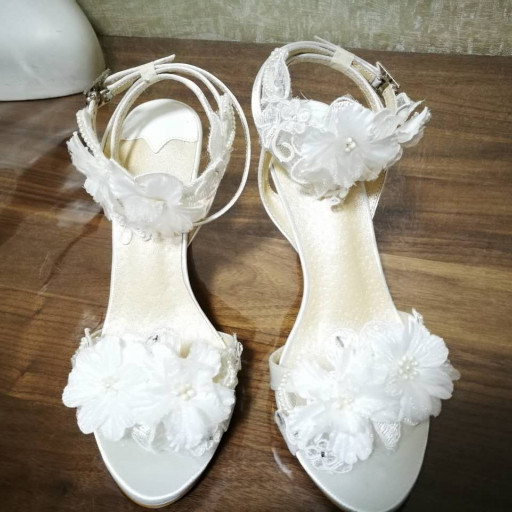 Lace the bride shoes Dress shoes Wedding shoe High heels Beach .