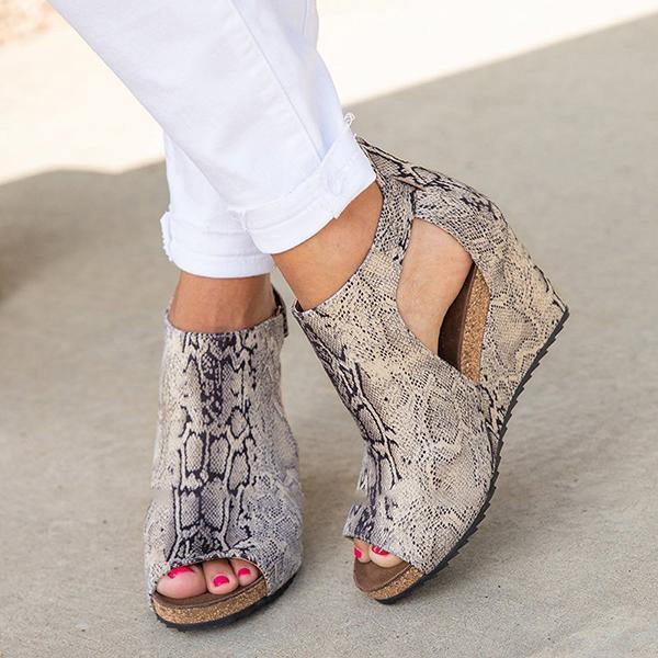 Blisshoes Peep Toe Blocking Hook-Loop Wedges Shoes(Ship in 24 Hour